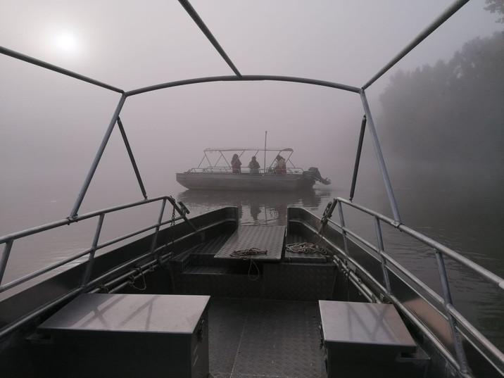 Départ des bateaux dans les nuages