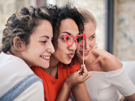 Moving In With Friends: Cohabitation Without Conflict