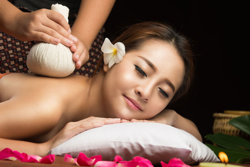 Herbal Infusion Massage