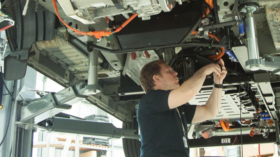 PRODRIVE ENGINEERS & TECHNICIANS WORK SIDE BY SIDE