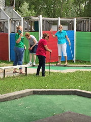 women mini golf.JPG