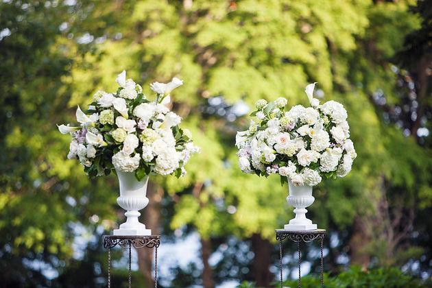 Wedding ceremony flowers for a destination wedding