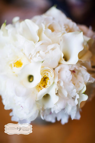 Wedding flower bouquets designed with premium fresh flowers.