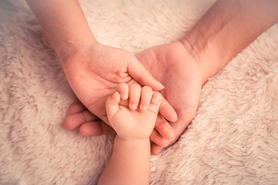Du désir d'enfant aux premiers mois avec bébé, la sophrologie peut apporter une aide précieuse....