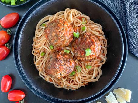 Spaghetti with Meatballs in Tomato-Basil Sauce