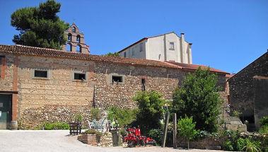 Domaine Treloar, winery, courtyard, wine, vin, degustation, ouvert, caveau, trouillas, independent