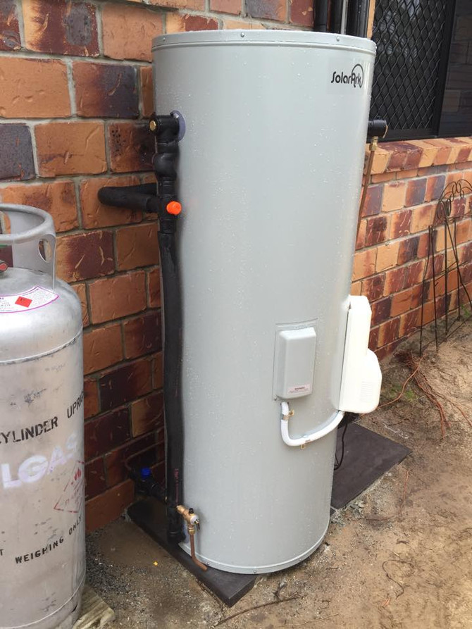 Why Choose Solar Hot Water for your home or business? Make the most of government rebates & prep