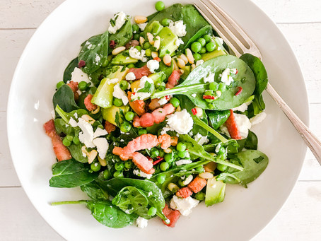 SPINACH WITH AVOCADO, FETA, CRISPY PANCETTA AND PINE NUTS