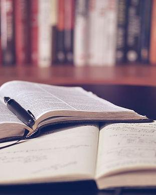 open-book-1428428__480.jpg