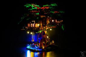 Lego Treehouse 1.jpg
