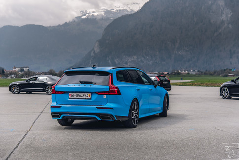 V60 T8 Blau.jpg