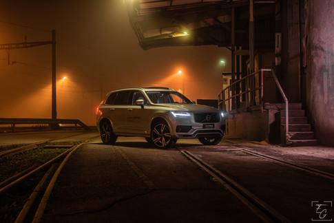 Volvo XC90 Night.jpg