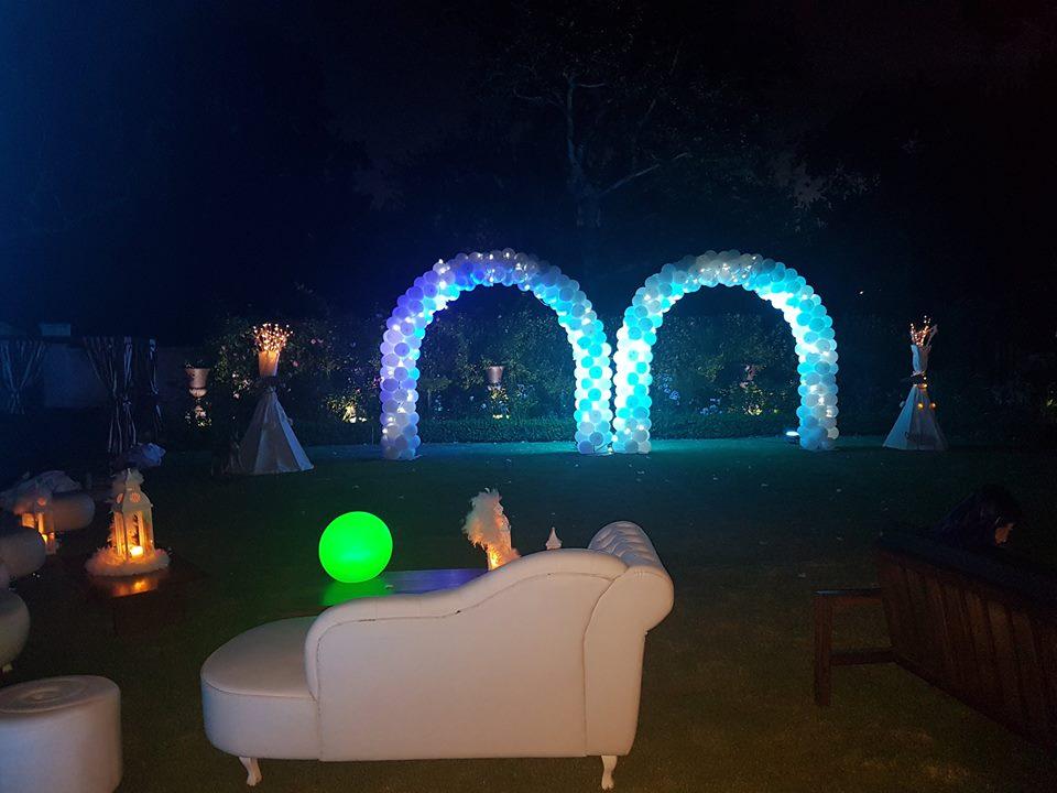 Light balloon arches