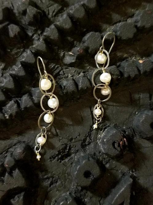 Bubble Pearl earring