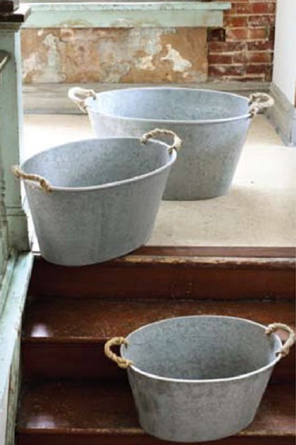Oversized Tub With Rope Handles