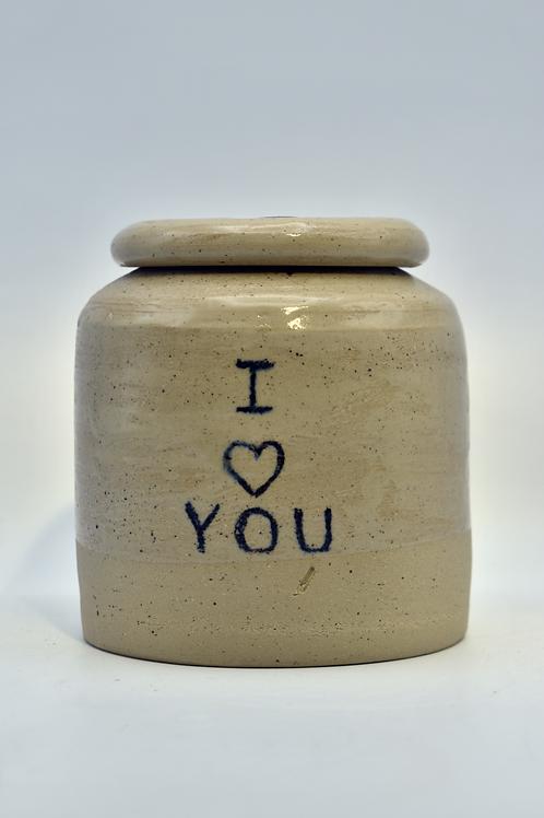 Beige 'I love you' urne