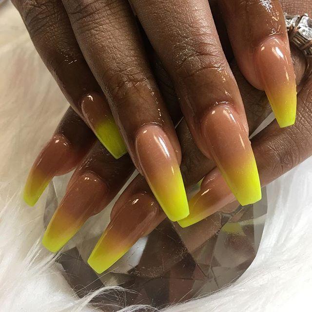 Neon Yellow Umbre #instaglam #nailstyle #classynails #classical #nailgram #nailsofinstagram #miamina