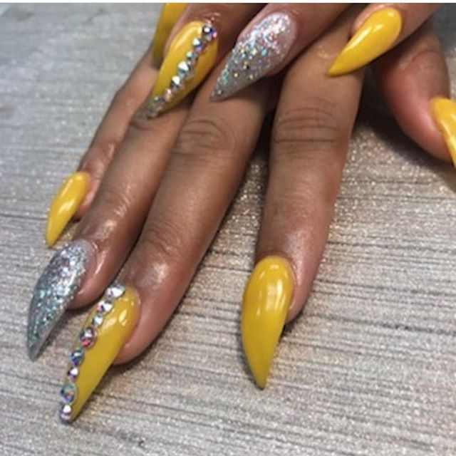 Nails by Rochelle