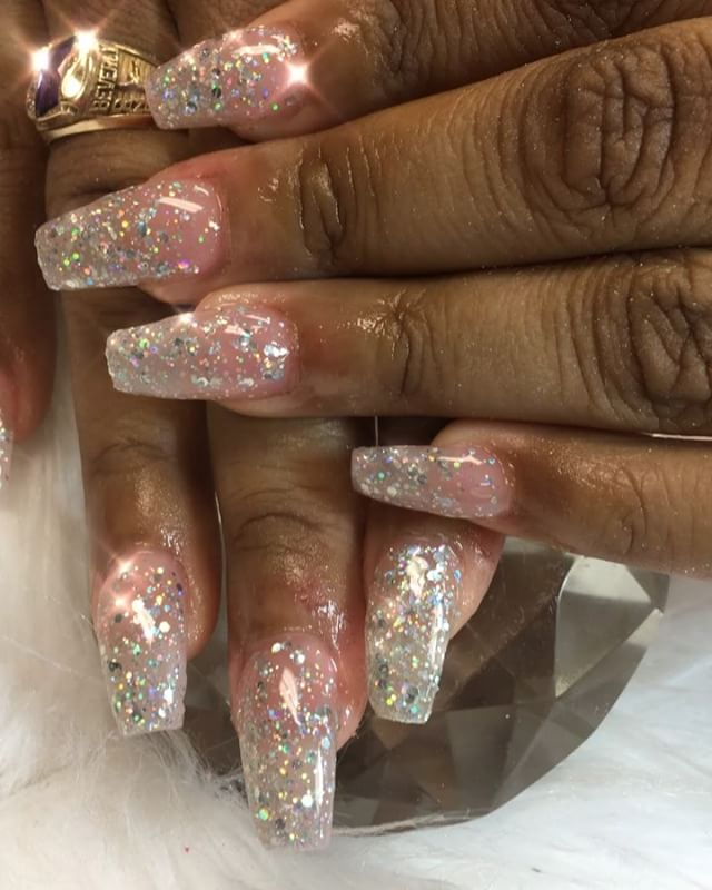 Never not working 💪🏽😍😘❤️💅🏽 #instaglam #nailstyle #classynails #classical #nailgram #nailsofins