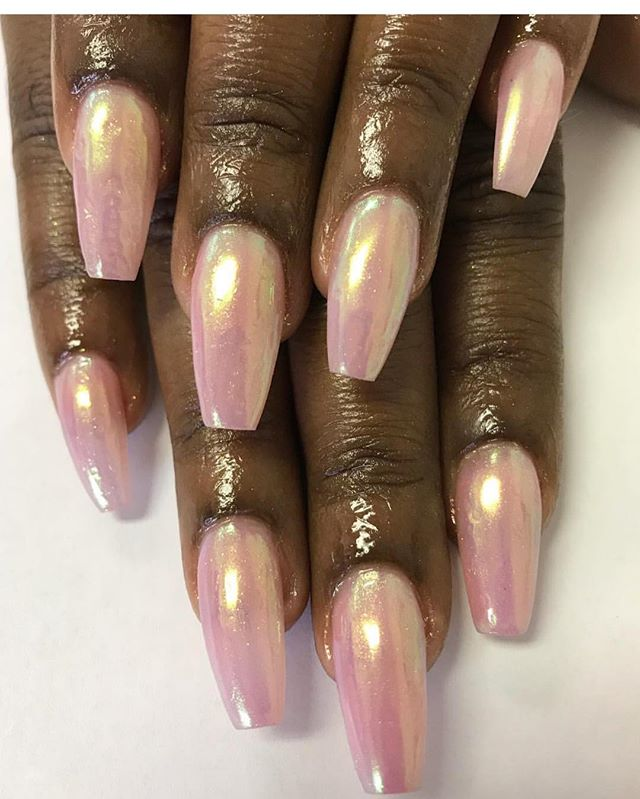Fullset auora chrome over pink by Tia