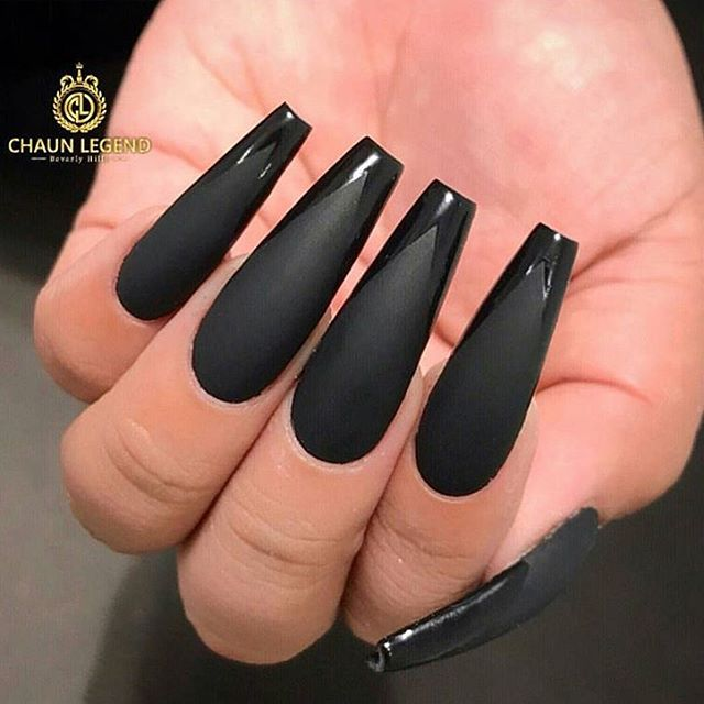 Just look at this black 😍😍 not my work #instaglam #nailstyle #classynails #classical #nailgram #na