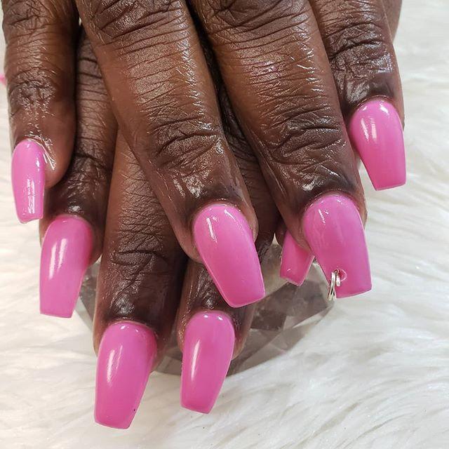 Nail piercing 💅🏽 #nail #finger #pink #
