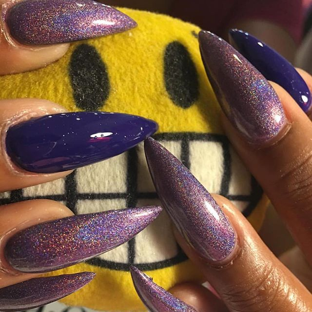 Ohh I can slay a stiletto as well 😊🤗🙌🏾 booking for June has started www.chicnailzz