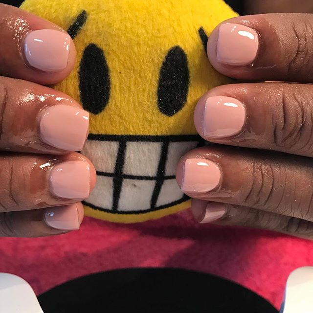Cute simple overlay #chicnailzlounge #nailedbycutie #text7543007941forappt #swarovskisaturday💎