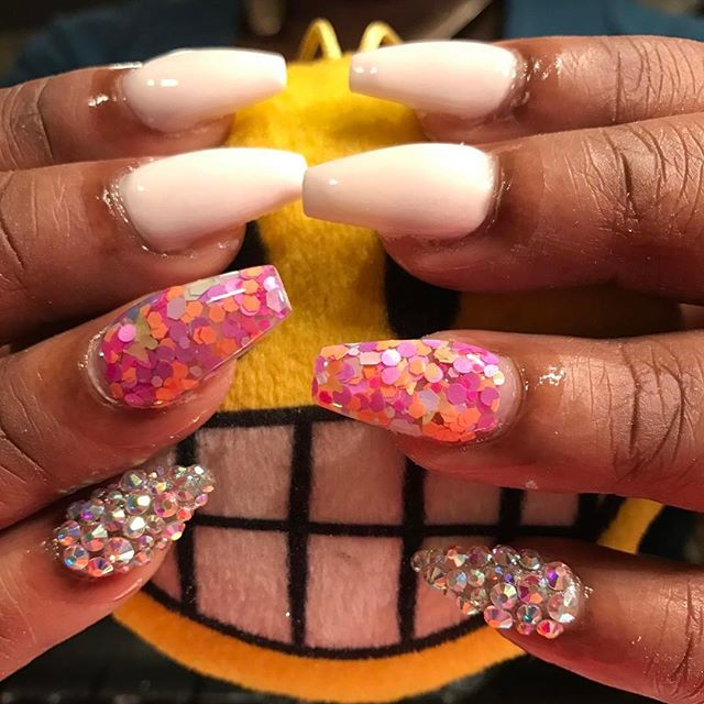 No Polish all acrylic well accept those Swarovski filled fingers 😜 #instaglam #nailstyle #classynai