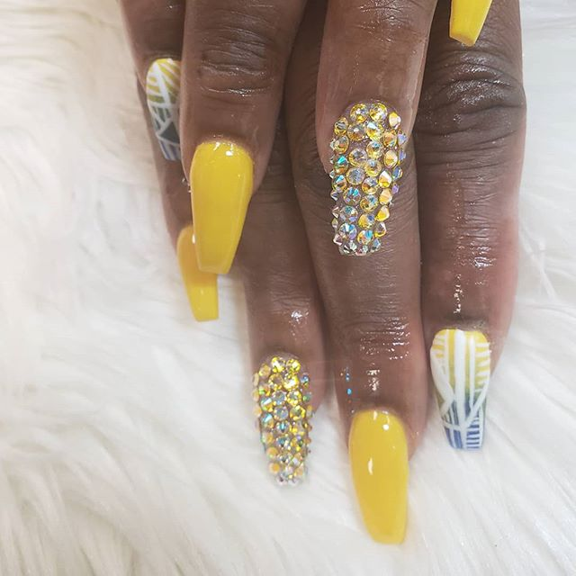 Yellow is the  new pink #nail #finger #h