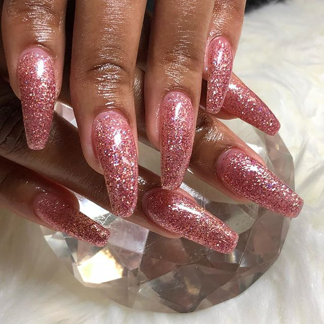 So neat booking for June has started www.chicnailzz
