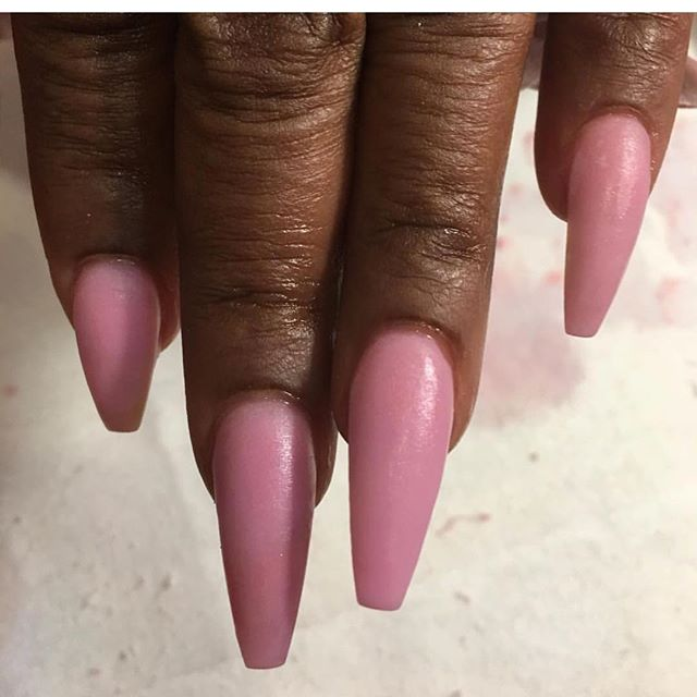 I love doing coffin nails can't you tell 🤗 www.chicnailzz