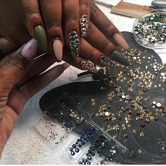 Swarovski overload 🤗🤗 booking for June has started www.chicnailzz