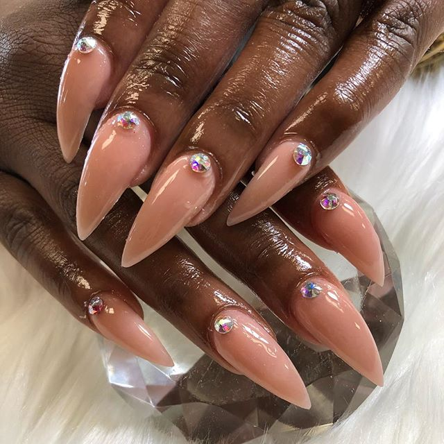 This nude acrylic 😍😍😍