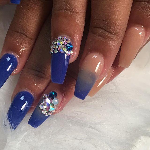 #bookappointmentsnow #nailedbycutie #nailsofinstagram #nailsonfleek #chicnailzlounge #allacrylicpowd