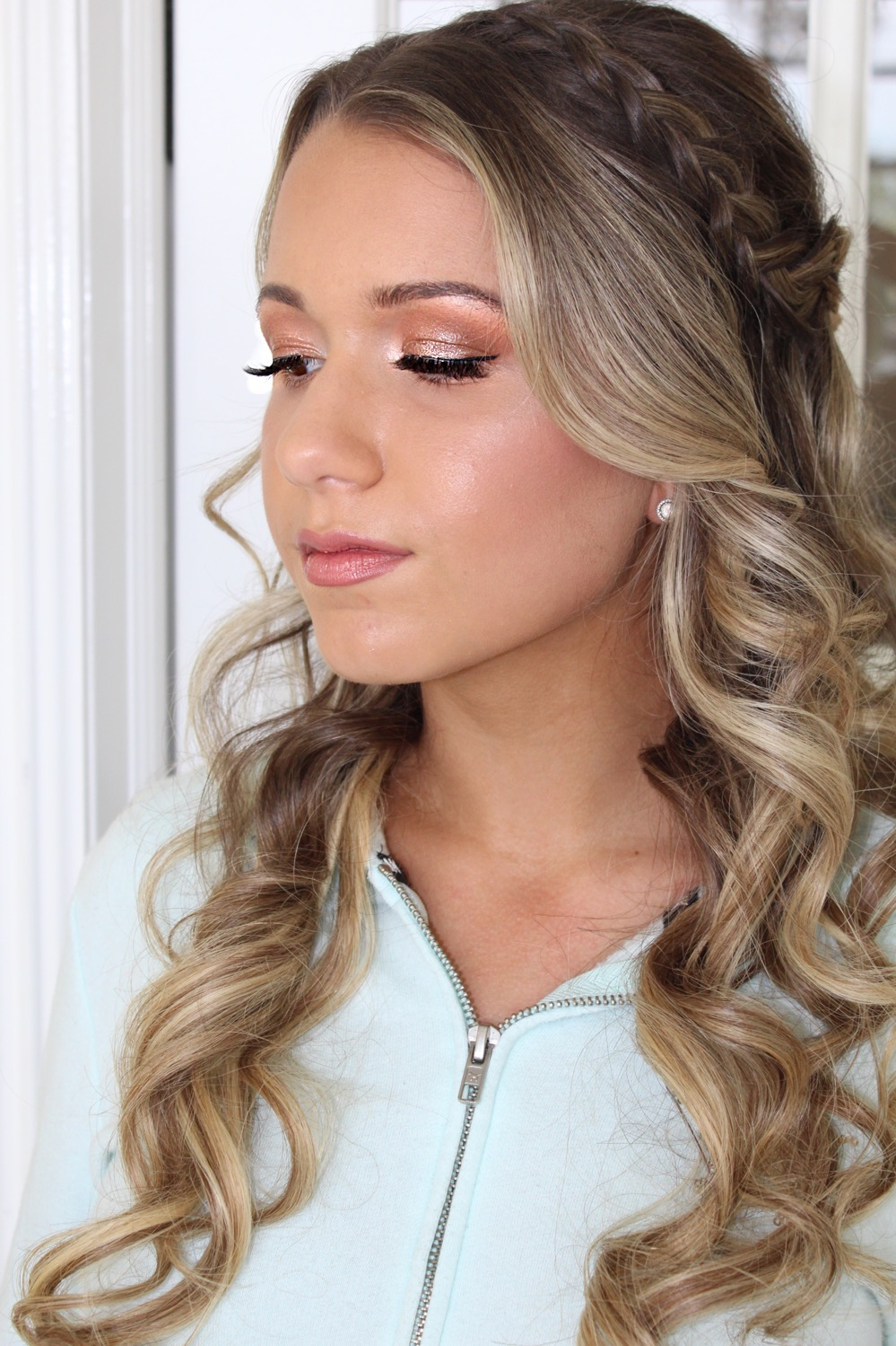 Soft glam for this beauties prom