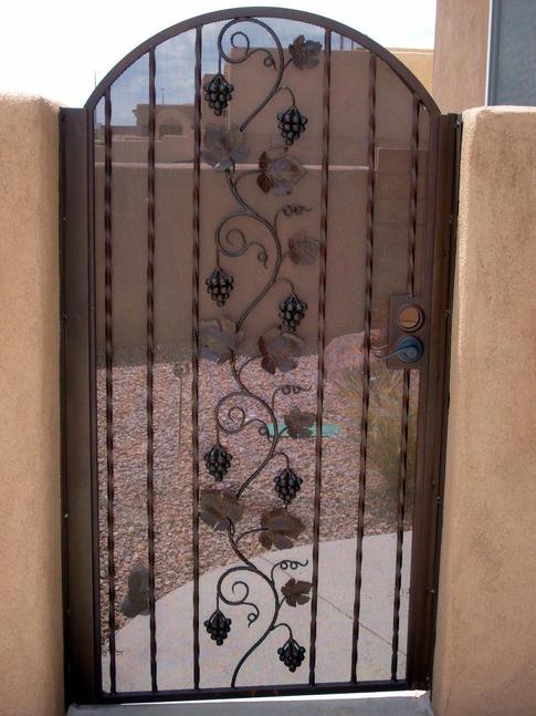 Custom Gate 28