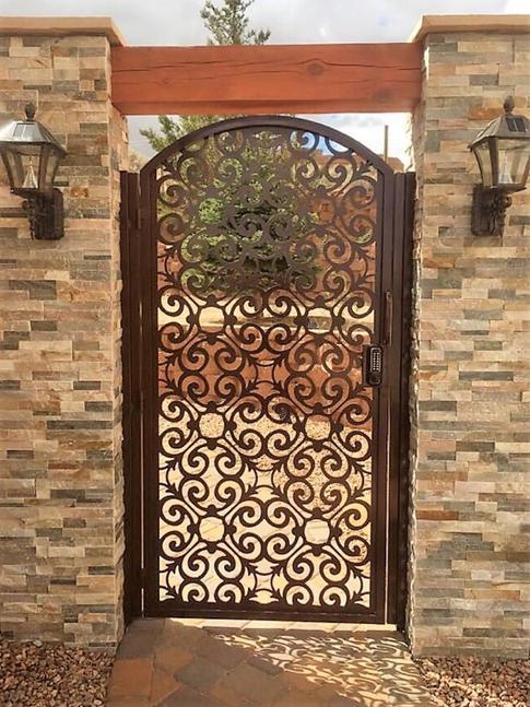 Old World Gate 10