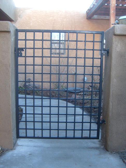 Custom Gate 7