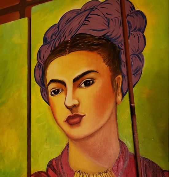 Frida Close Up