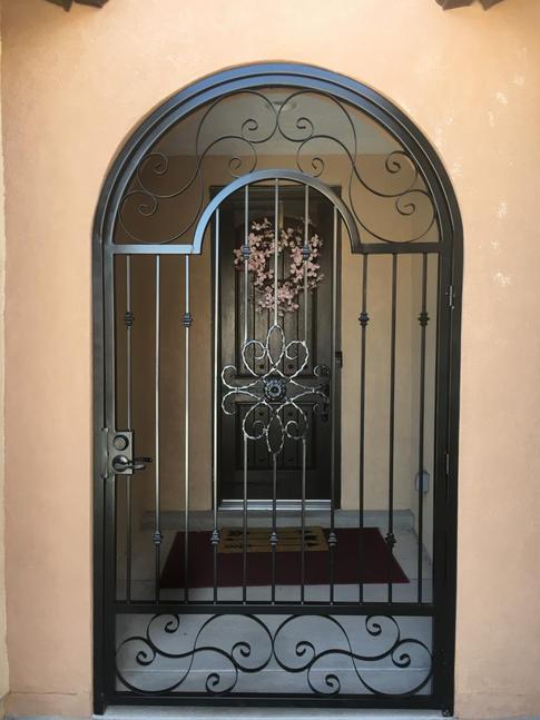 Old World Gate 18