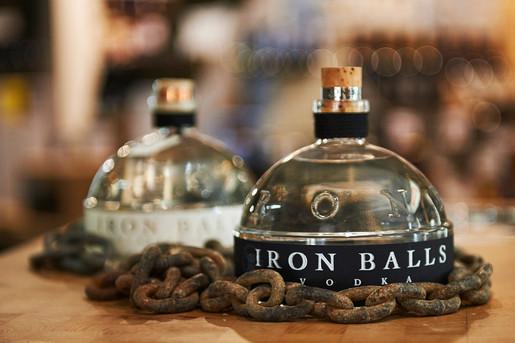 Iron Balls Spiriuosen.jpg