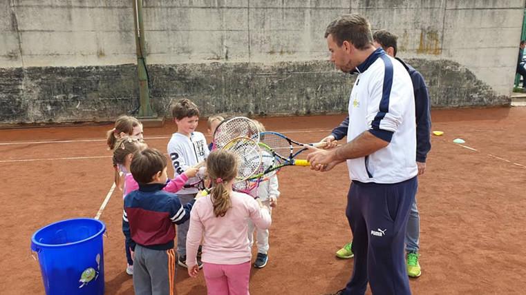 MAR NAM JE - tenis.jpg