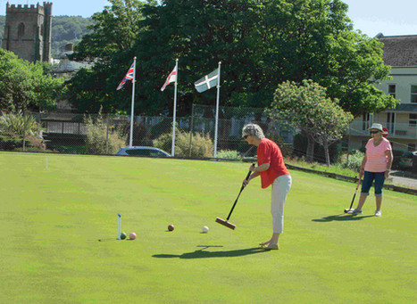 Covid - open Christine & Jane playing on