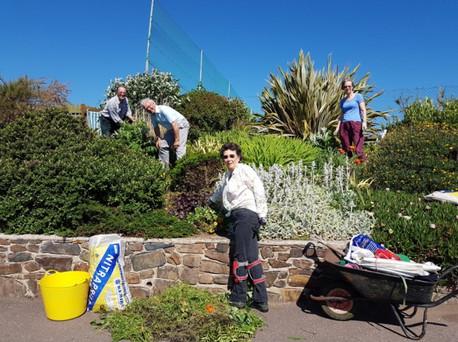 Garden 1 Chairman's garden volunteers Ro