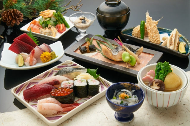 Sushi and open hot spring(寿司和温泉)