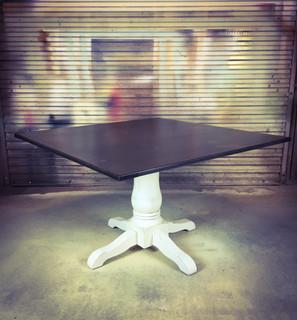 Hampton Pedestal