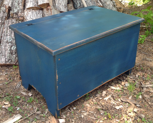 Primitive Harvest Blanket Chest