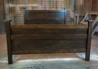 Country Farm Queen Bed