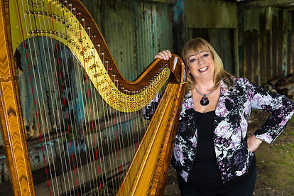 Eira Lynn Jones with her Salvi Arianna Harp